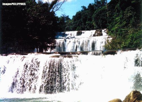 """A Tinuy-an Falls - at first layer view"", 