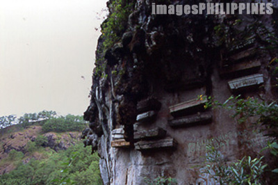 Hanging Coffins found in the limestone formations of 