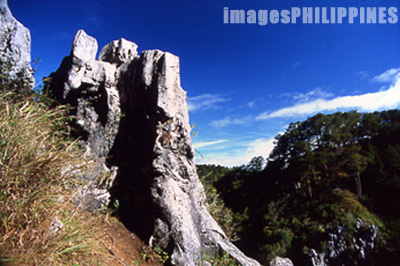 Limestone formations at Echo Point.,  Place Taken: Mountain Province take on  Date Taken: 2002