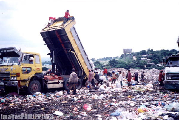 """Truck delivering garbage to Payatas""