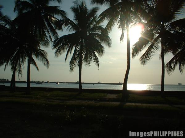 """""""Manila Bay in the Afternoon"""",  Place Taken: Metro Manila take on  Date Taken: 2003"""