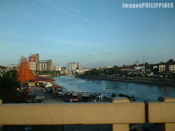 """Pasig River""