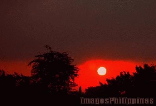 """Peeking Sun Over Bicutan"",  Place Taken: Bicutan, Metro Manila take on  Date Taken: 2005"