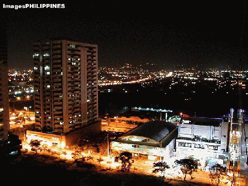 """""""Back Alley"""",  Place Taken: Metro Manila take on  Date Taken: 2003"""