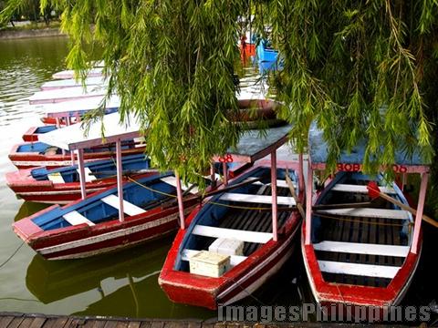 BoatforFun,  Place Taken: Baguio take on  Date Taken: 2006