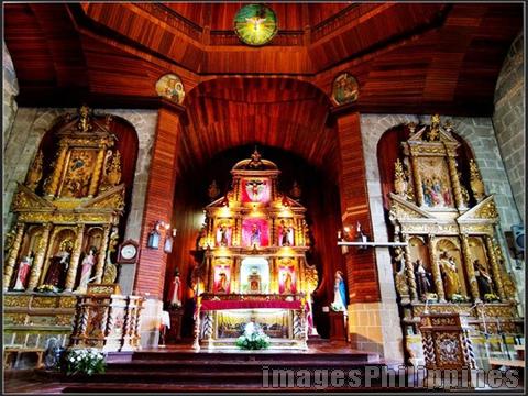 Paete Altar,  Place Taken: Laguna take on  Date Taken: 2006