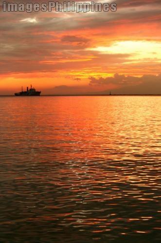 """""""Sunset"""",  Place Taken: Metro Manila take on  Date Taken: 2006"""