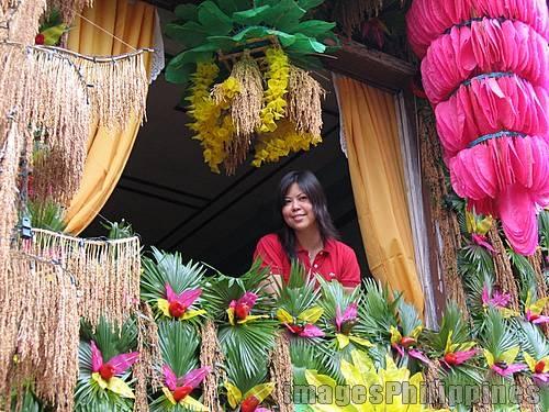 """Babae sa Bintana"",  Place Taken: Quezon take on  Date Taken: 2006"