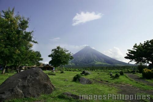 """Mayon Volcano"",  Place Taken: Albay take on  Date Taken: 2006"