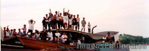 """Sa Pier"",  Place Taken: Tawi-Tawi take on  Date Taken: 2002"