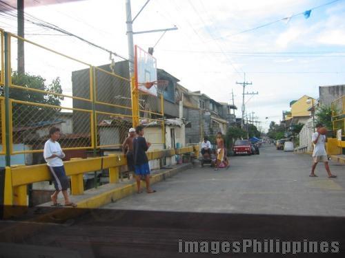 Street Basketball Court ,  Place Taken: Metro Manila take on  Date Taken: 2005