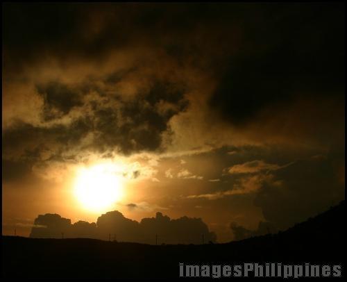 """""""Highlands Sunset"""",  Place Taken: Tagaytay City, Cavite take on  Date Taken: 2005"""