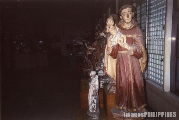 �Museo Iloilo�,  Place Taken: Iloilo take on  Date Taken: 2001