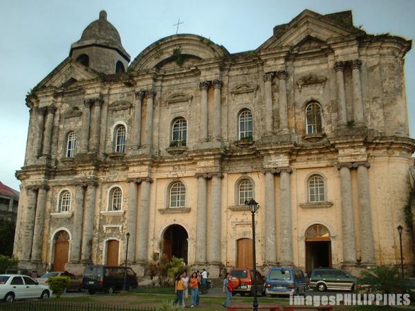 �Basilica of St.Martin de Tours�,  Place Taken: Batangas take on  Date Taken: 2002