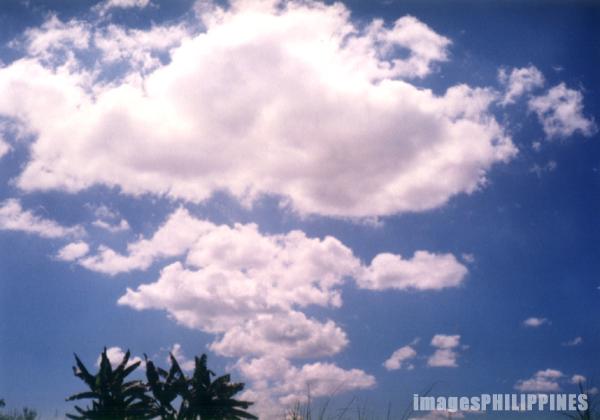 �Clouds�,  Place Taken: Kalinga-Apayao take on  Date Taken: 2001