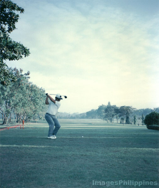 Wack-wack Golf Course, Manila, teeing off.