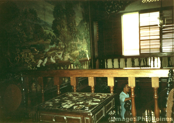 Turn of the century house in Laguna. Stairway , 