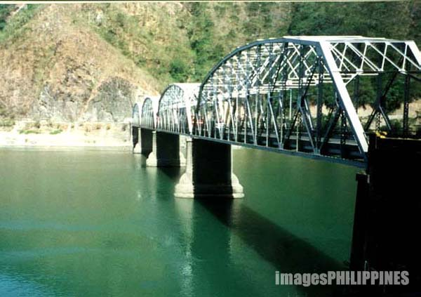 """Quirino Bridge""
