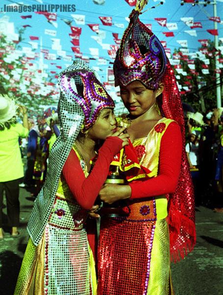 """A Kiss to Sto Nino "",  Place Taken: Cebu take on  Date Taken: 2002"